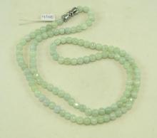Jadeitový náhrdelník