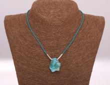 Modrý opál - ručně pletený náhrdelník