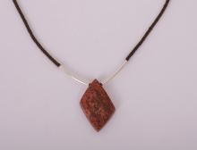 Opál - ručně pletený náhrdelník